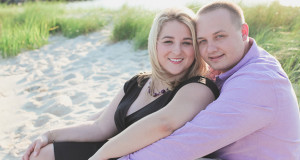 Real SoMd Engagement: A Relaxing Beach Photo Shoot